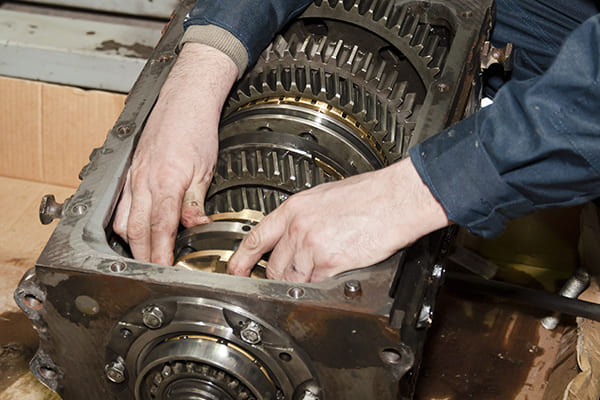 5 Quick Tips for Hiring the Best Transmission Repair Shop SLC